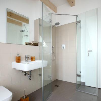 Barrierefreies Bad – altersgerechtes Badezimmer mit ...