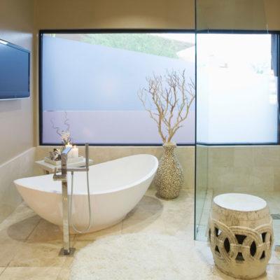 Badausstellung für Badezimmer, Waschtische, Möbel & mehr